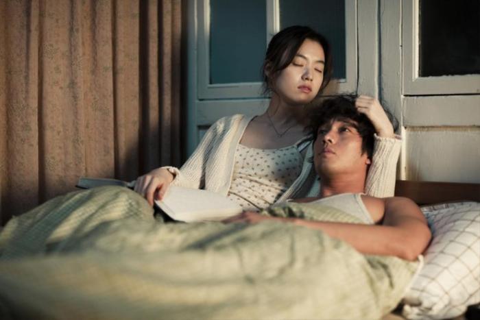 Han Hyo Joo bất ngờ đăng ảnh 'tình tứ' với So Ji Sub trong quá khứ Ảnh 12