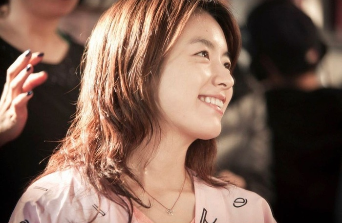 Han Hyo Joo bất ngờ đăng ảnh 'tình tứ' với So Ji Sub trong quá khứ Ảnh 2
