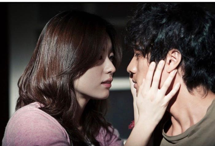 Han Hyo Joo bất ngờ đăng ảnh 'tình tứ' với So Ji Sub trong quá khứ Ảnh 5