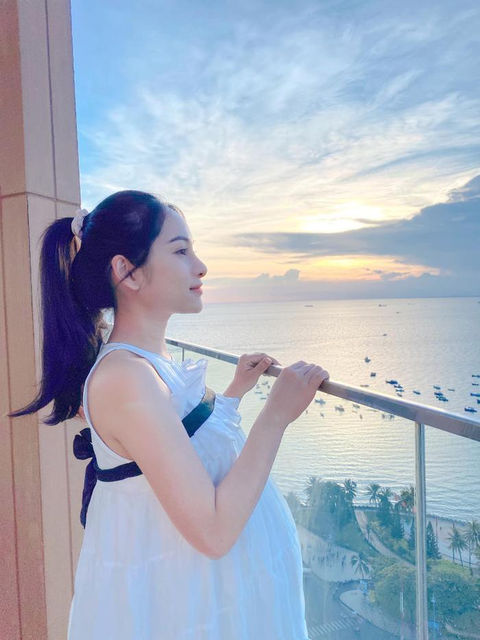 Sara Lưu lộ vóc dáng sau khi sinh 2 con trai cho nhạc sĩ Dương Khắc Linh Ảnh 5