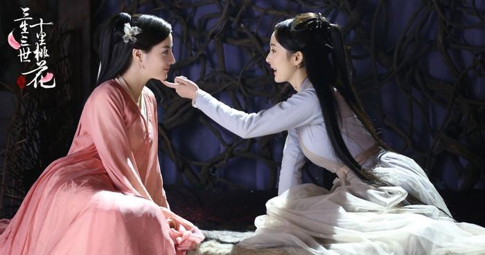 Phim của Dương Mịch - Địch Lệ Nhiệt Ba bị tố ăn cắp, 'hạ bệ' trang phục truyền thống sao Hàn Quốc Ảnh 11