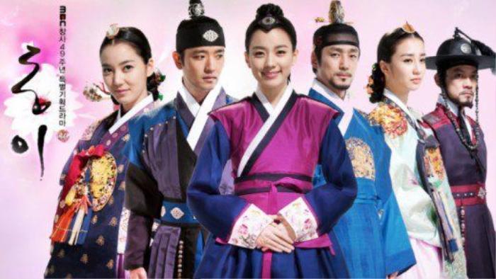 Phim của Dương Mịch - Địch Lệ Nhiệt Ba bị tố ăn cắp, 'hạ bệ' trang phục truyền thống Hàn Quốc Ảnh 16