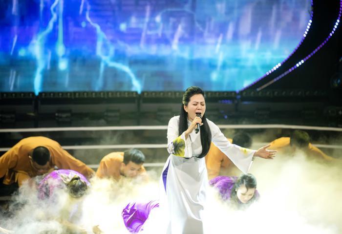 Đêm nhạc ủng hộ miền Trung do Đinh Hiền Anh tổ chức góp gần 34,2 tỷ đồng Ảnh 2