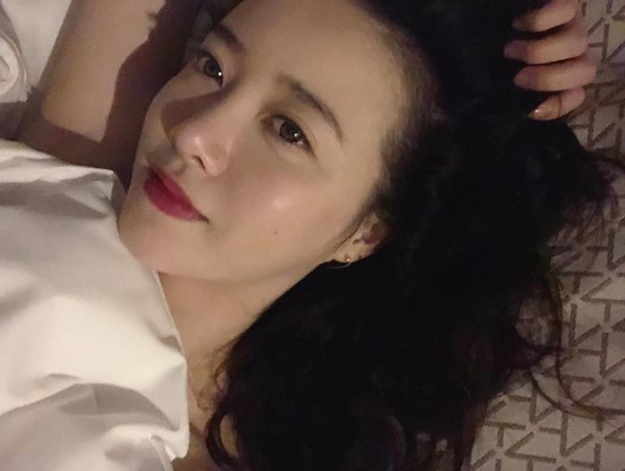 Goo Hye Sun đăng ảnh giường chiếu, Knet cho là đang 'gợi tình' Ảnh 1