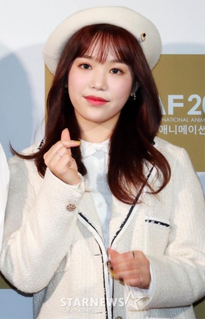 Goo Hye Sun rạng rỡ sau ly hôn, đọ sắc loạt sao Hàn trên thảm đỏ 'LHP Bucheon 2020' Ảnh 11