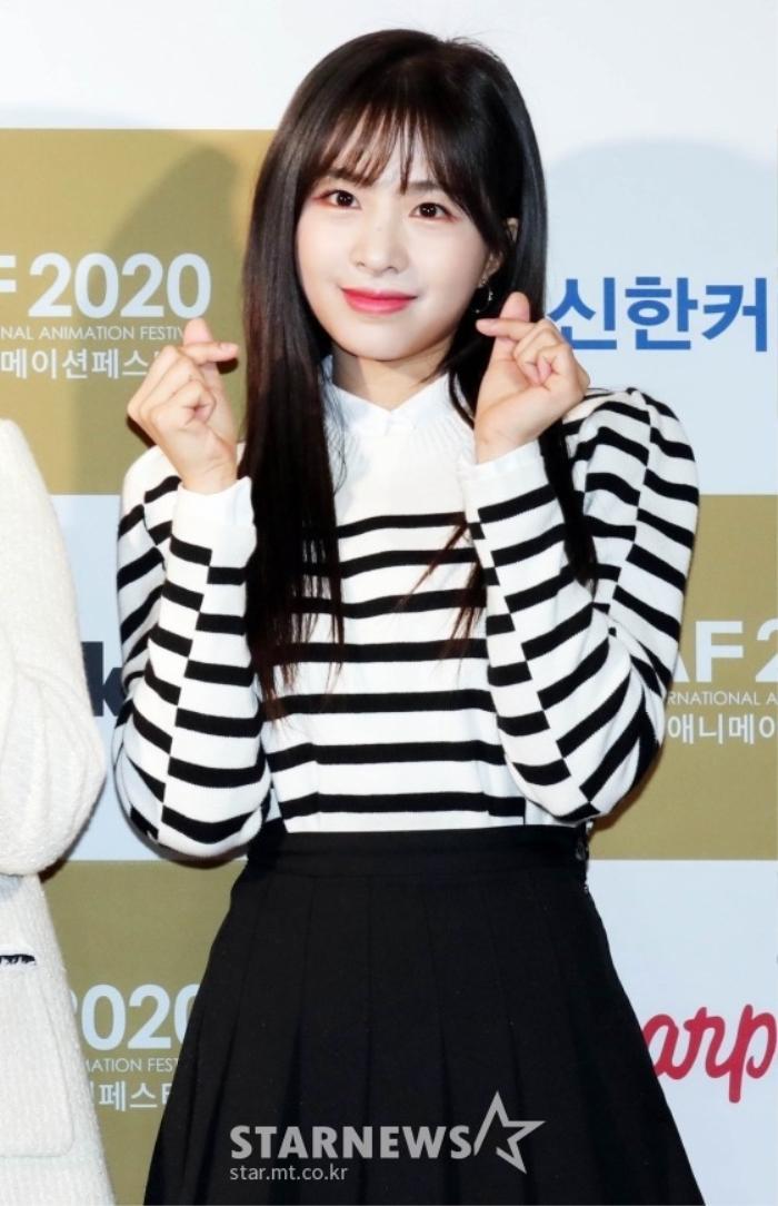 Goo Hye Sun rạng rỡ sau ly hôn, đọ sắc loạt sao Hàn trên thảm đỏ 'LHP Bucheon 2020' Ảnh 10