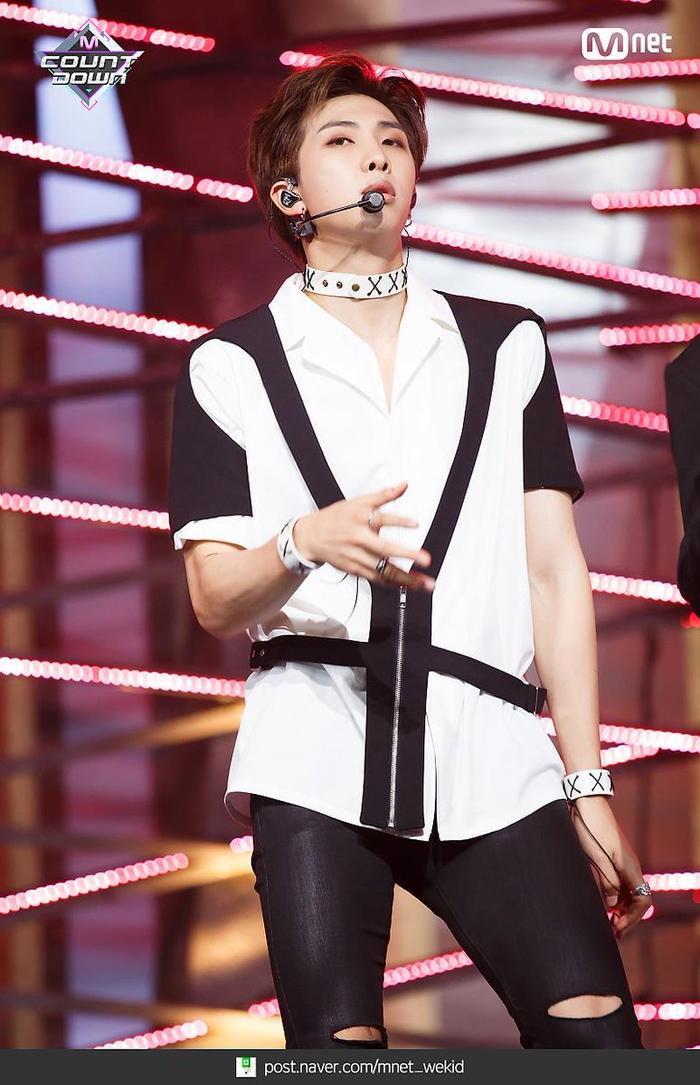 Được khen là idol, Nhật Hoàng 'King of Rap' giống thành viên nào của BTS? Ảnh 11