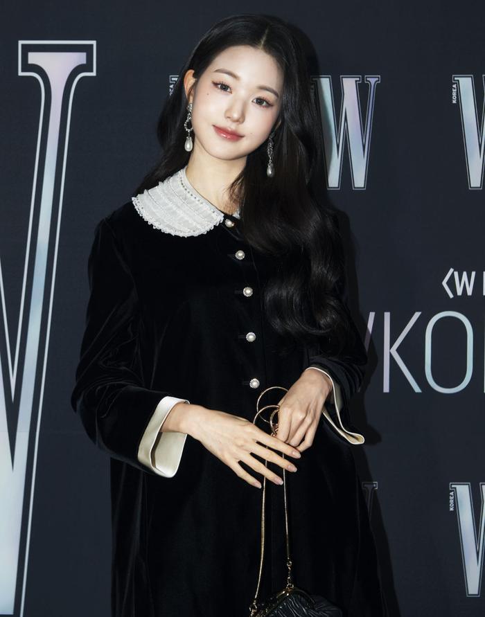 Đêm hội 'W Korea 2020': Mặt Park Min Young cứng đờ biến dạng, Park Shin Hye đọ sắc 'chị em nàng Han' và Jessica - Krystal Ảnh 50