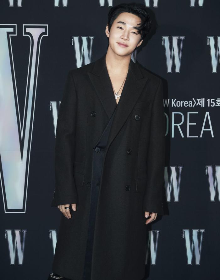 Đêm hội 'W Korea 2020': Mặt Park Min Young cứng đờ biến dạng, Park Shin Hye đọ sắc 'chị em nàng Han' và Jessica - Krystal Ảnh 19