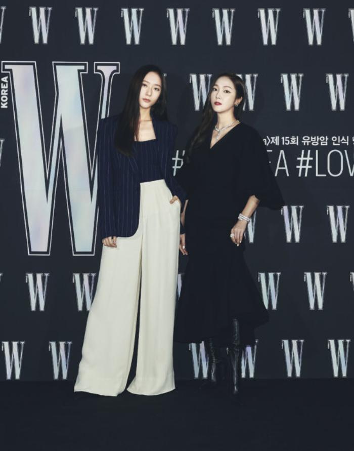Đêm hội 'W Korea 2020': Mặt Park Min Young cứng đờ biến dạng, Park Shin Hye đọ sắc 'chị em nàng Han' và Jessica - Krystal Ảnh 7