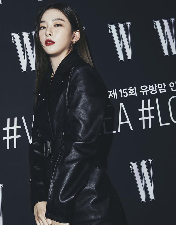 Đêm hội 'W Korea 2020': Mặt Park Min Young cứng đờ biến dạng, Park Shin Hye đọ sắc 'chị em nàng Han' và Jessica - Krystal Ảnh 29