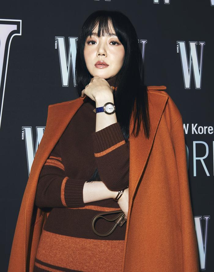 Đêm hội 'W Korea 2020': Mặt Park Min Young cứng đờ biến dạng, Park Shin Hye đọ sắc 'chị em nàng Han' và Jessica - Krystal Ảnh 21