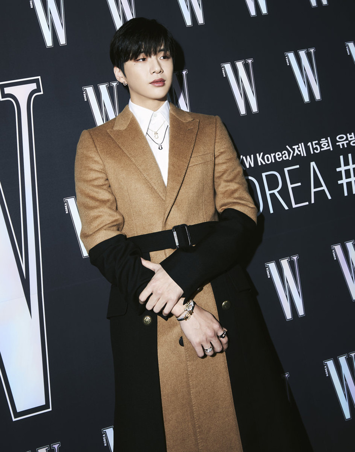 Đêm hội 'W Korea 2020': Mặt Park Min Young cứng đờ biến dạng, Park Shin Hye đọ sắc 'chị em nàng Han' và Jessica - Krystal Ảnh 25
