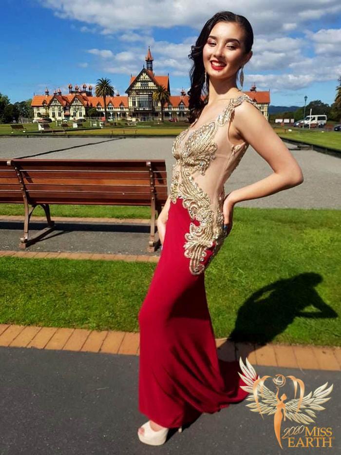 Dàn mỹ nhân Miss Earth trình diễn váy dạ hội: Hoa Thái nổi bật với Evening Gown Địa cầu lấp lánh Ảnh 19