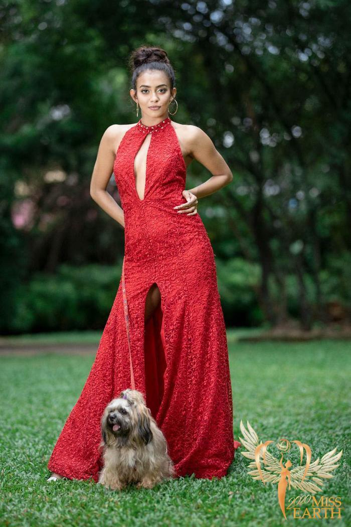 Dàn mỹ nhân Miss Earth trình diễn váy dạ hội: Hoa Thái nổi bật với Evening Gown Địa cầu lấp lánh Ảnh 22