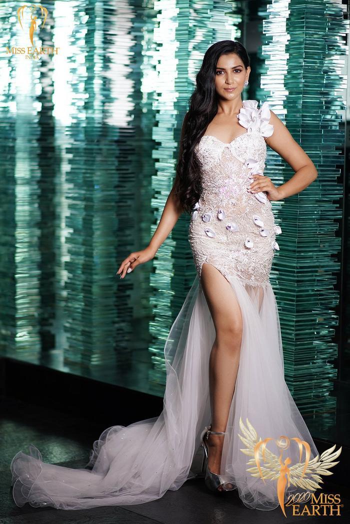 Dàn mỹ nhân Miss Earth trình diễn váy dạ hội: Hoa Thái nổi bật với Evening Gown Địa cầu lấp lánh Ảnh 15