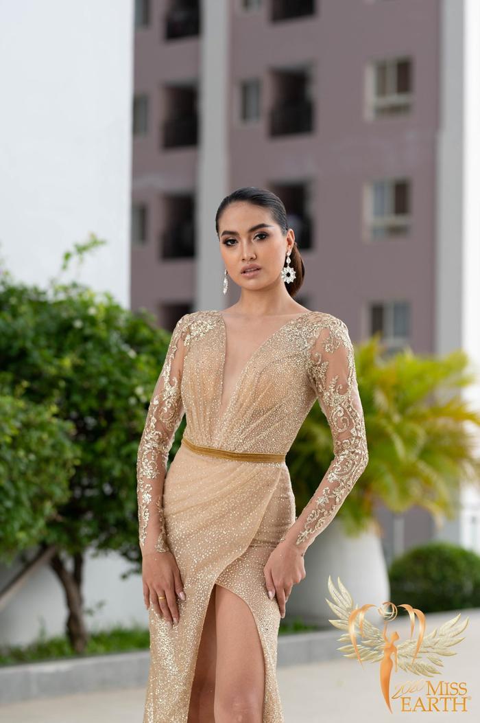 Dàn mỹ nhân Miss Earth trình diễn váy dạ hội: Hoa Thái nổi bật với Evening Gown Địa cầu lấp lánh Ảnh 14