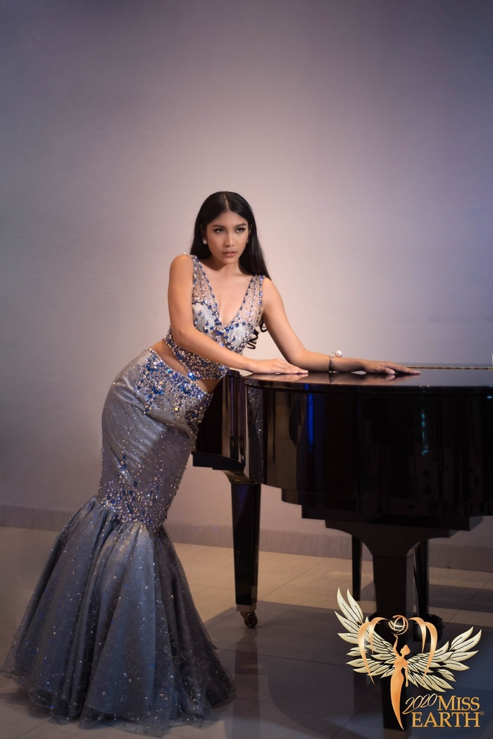 Dàn mỹ nhân Miss Earth trình diễn váy dạ hội: Hoa Thái nổi bật với Evening Gown Địa cầu lấp lánh Ảnh 13