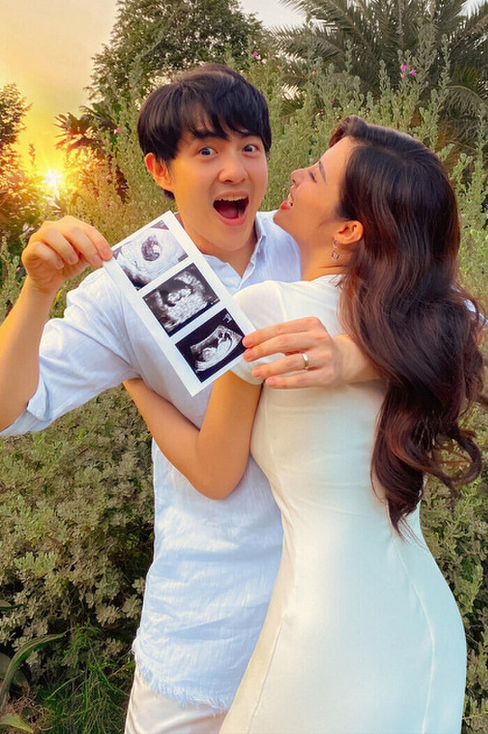 Vbiz liên tục đón nhận tin vui: Đông Nhi, Sara Lưu, Pha Lê và vợ Khắc Việt sinh con Ảnh 1