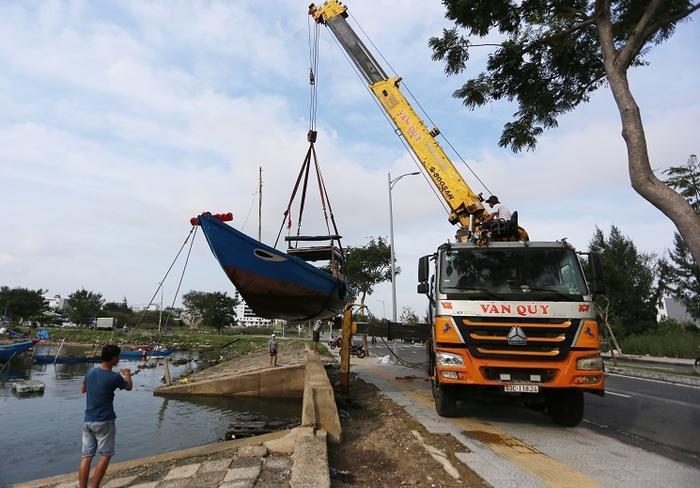 Ứng phó bão số 9: Đà Nẵng yêu cầu người dân không ra khỏi nhà từ 20h hôm nay Ảnh 1