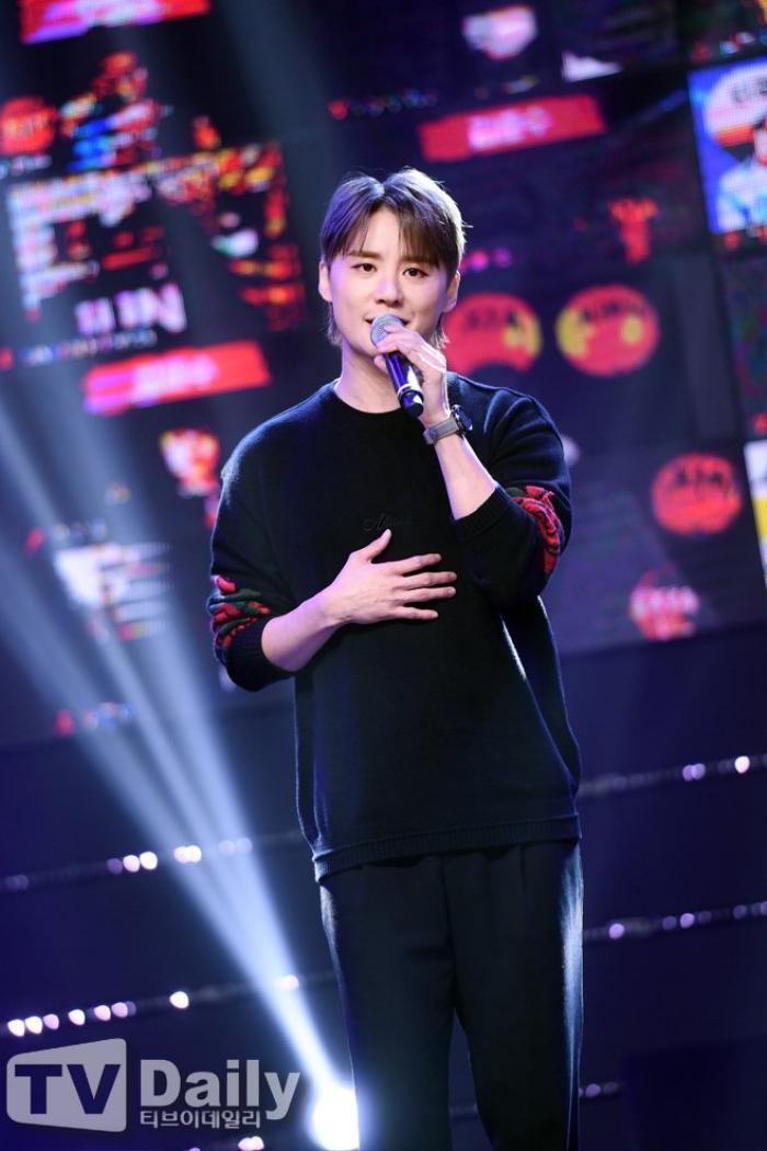 Hyun Bin - Gong Hyo Jin, Kim Hee Ae và Seventeen thắng giải thưởng 'Văn hóa & Nghệ thuật 2020' Ảnh 10
