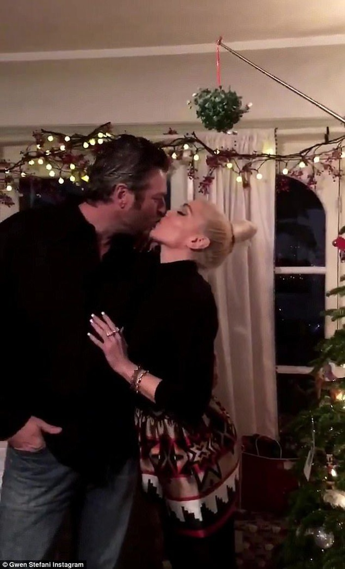 Gwen Stefani chính thức nhận lời cầu hôn từ Blake Shelton sau 5 năm bên nhau Ảnh 3