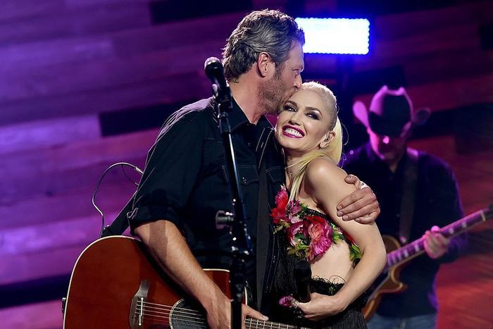 Gwen Stefani chính thức nhận lời cầu hôn từ Blake Shelton sau 5 năm bên nhau Ảnh 6