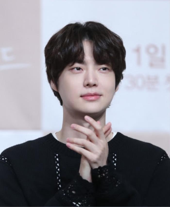 Ahn Jae Hyun có động thái lạ sau khi Goo Hye Sun tung ảnh 'giường chiếu' gợi cảm Ảnh 3