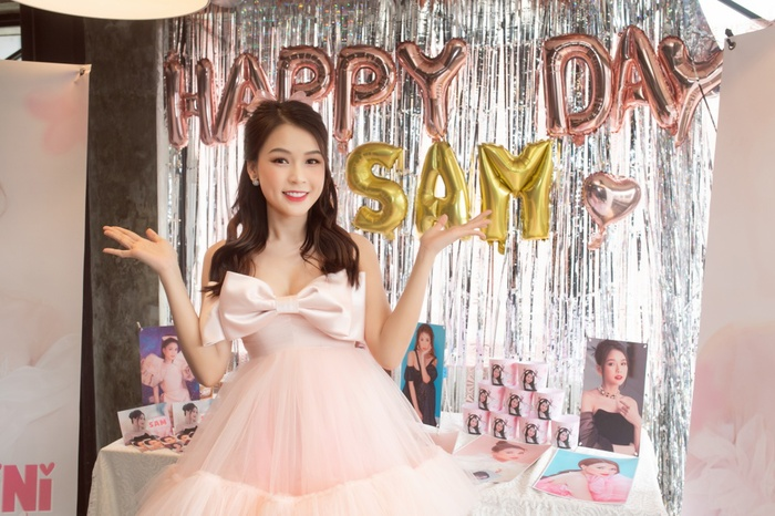 Sam xinh đẹp ngọt ngào đón tuổi mới bên Jun Phạm và Ngô Kiến Huy Ảnh 8