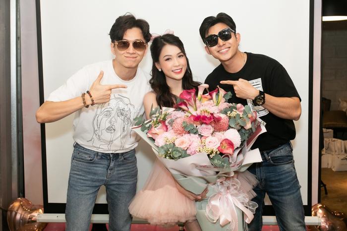 Sam xinh đẹp ngọt ngào đón tuổi mới bên Jun Phạm và Ngô Kiến Huy Ảnh 4