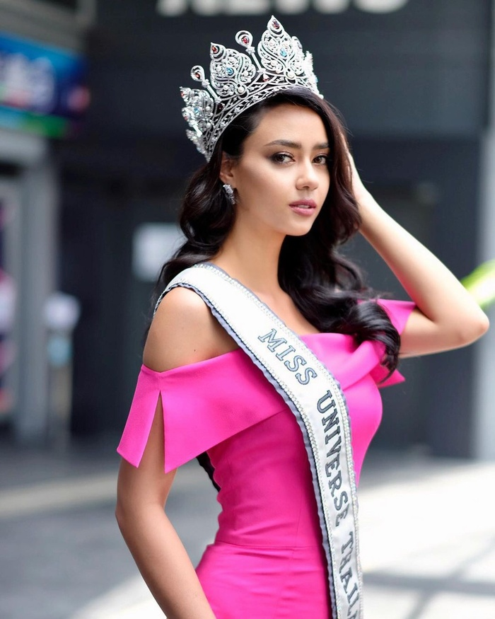 Khánh Vân ghi điểm mạnh với màn ứng xử khéo léo: 'Lọt Top 2 Miss Universe, nắm tay ai cũng hạnh phúc' Ảnh 6