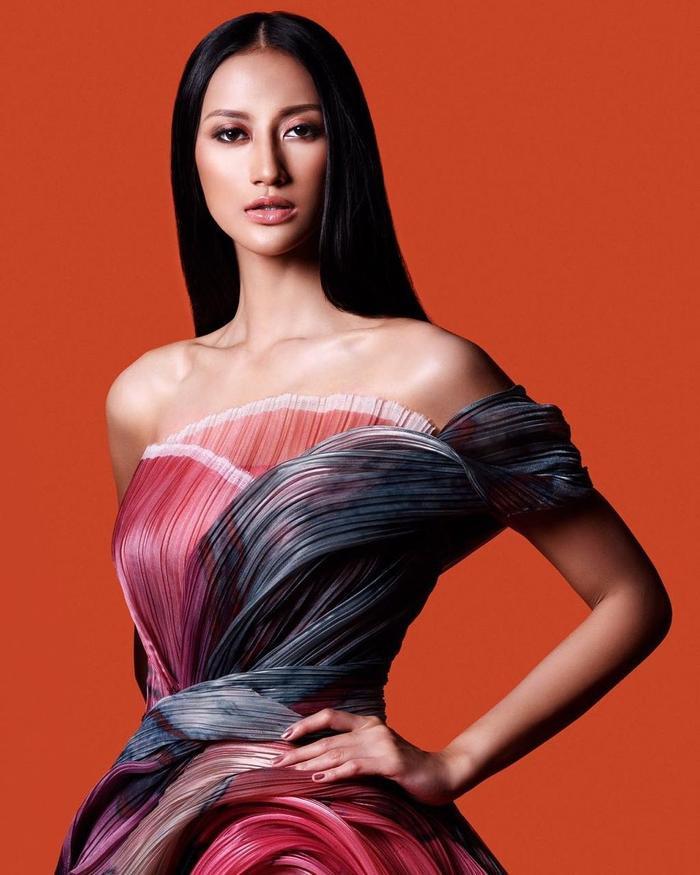 Khánh Vân ghi điểm mạnh với màn ứng xử khéo léo: 'Lọt Top 2 Miss Universe, nắm tay ai cũng hạnh phúc' Ảnh 9