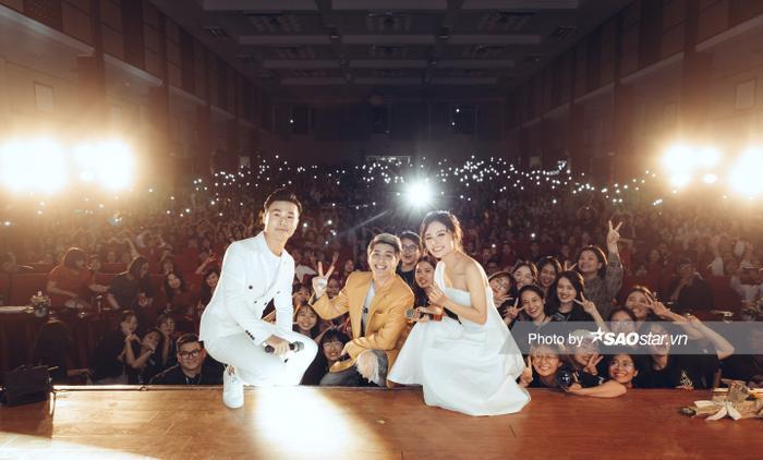 Noo Phước Thịnh gây thương nhớ với visual chuẩn 'soái ca' trong đêm nhạc tại Hà Nội Ảnh 9