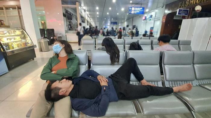 Trang Trần 'nổi đoá' vì vợ chồng Lý Hải đi làm từ thiện còn bị dân mạng chỉ trích Ảnh 1