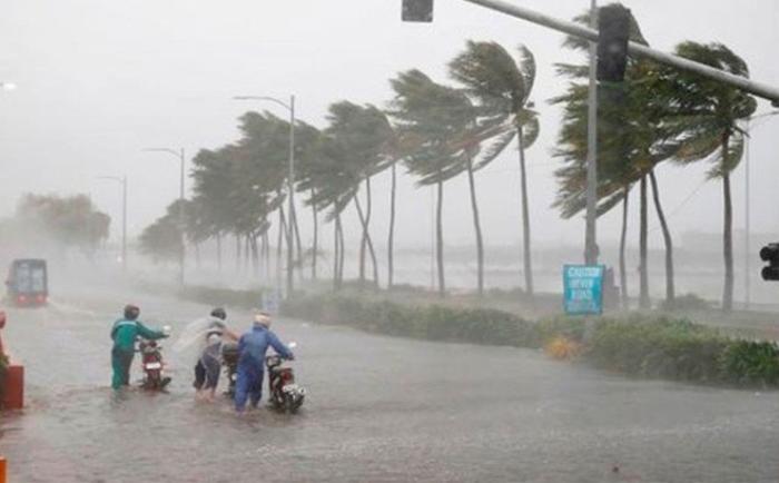 Xúc động dòng tin nhắn bố mẹ nơi quê nhà trấn an con trai đang học ở thành phố sau cơn bão số 9 Ảnh 1