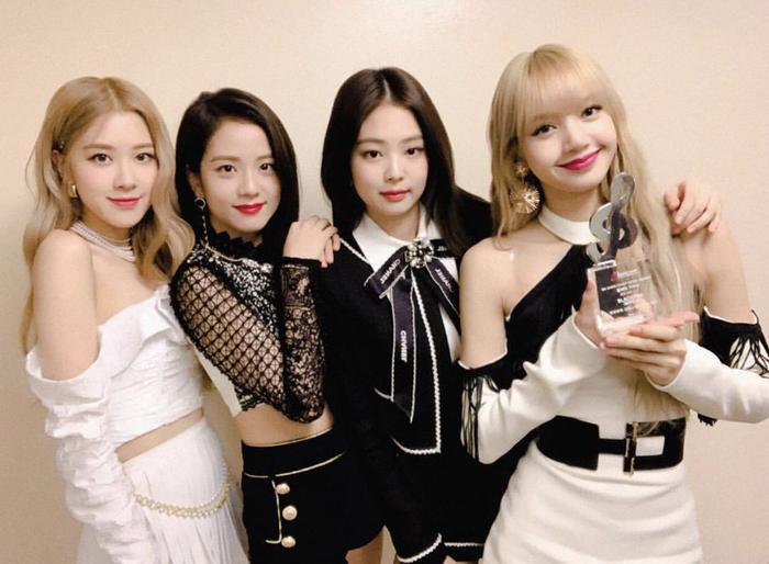 Đề cử 'MAMA 2020' công bố tất cả đề cử: BTS cạnh tranh EXO, Blackpink đấu với TWICE - Red Velvet Ảnh 11