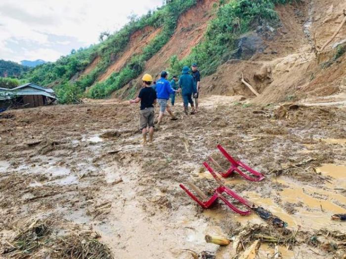 Vụ sạt lở làm 11 người mất tích ở Quảng Nam: Đã có 5 thi thể được tìm thấy Ảnh 1