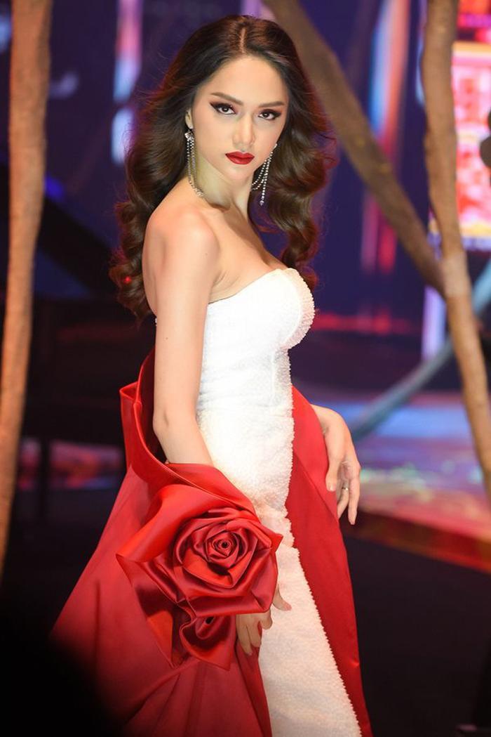 3 lần Hoa hậu Hương Giang gặp 'ngập chìm' trong scandal với 3 cá tính đáp trả dư luận khác nhau Ảnh 5