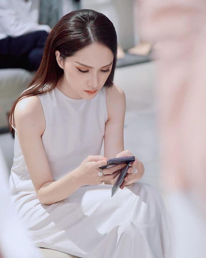 Hương Giang gửi lời xin lỗi sau ồn ào scandal, ẩn mọi bài viết cũ Ảnh 1