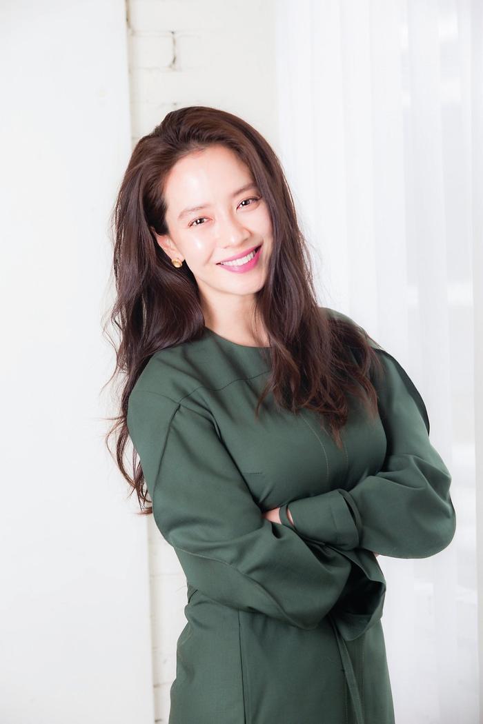 Top 20 nữ diễn viên Hàn hot nhất tháng 10: Kim Hyun Joo - Son Ye Jin 'đánh bại' Song Hye Kyo Ảnh 5