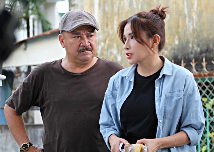 Khả Như chia sẻ về NSND Hồng Vân: 'Lần nào làm phim, mẹ cũng tuột huyết áp như cái cầu trượt' Ảnh 8
