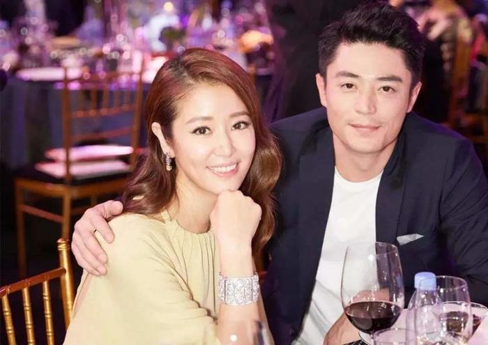 Lâm Tâm Như đeo nhẫn cưới, chủ động bác bỏ tin đồn ly hôn với Hoắc Kiến Hoa Ảnh 1