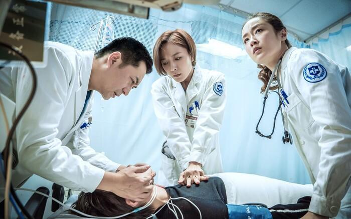 Loạt phim Hoa Ngữ ra mắt tháng 11: Lý Dịch Phong, Hoàng Cảnh Du, Đường Yên cùng trở lại Ảnh 8