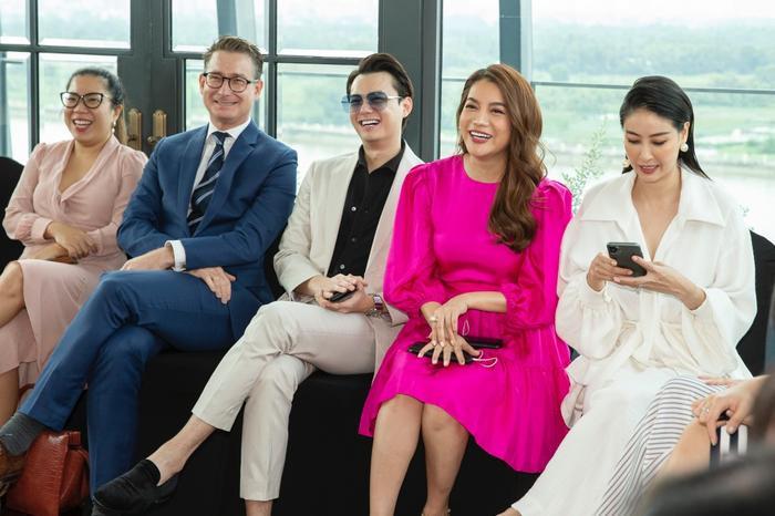 Đoan Trang mời hội chị em Hồng Nhung, Hà Anh dự tiệc trà chiều, bật mí bí kíp sống khỏe Ảnh 12