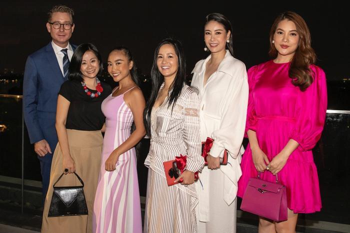 Đoan Trang mời hội chị em Hồng Nhung, Hà Anh dự tiệc trà chiều, bật mí bí kíp sống khỏe Ảnh 4