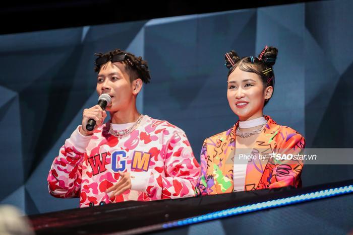 MC Phí Linh, DJ Trang Moon làm tóc màu sắc, 'sáng rực' tại vòng Hồi sinh King Of Rap Ảnh 6