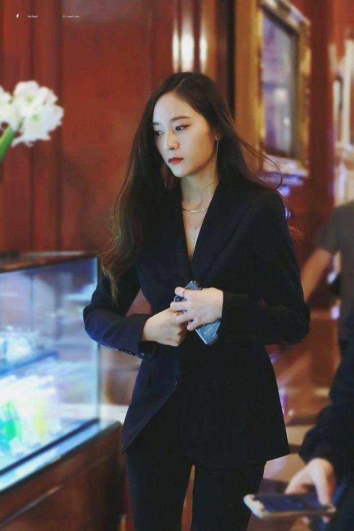 Sau hào quang nổi tiếng, sao Hàn 'sống chết' với bệnh tật: Từ Kim Woo Bin, Moon Geun Young đến Krystal! Ảnh 10
