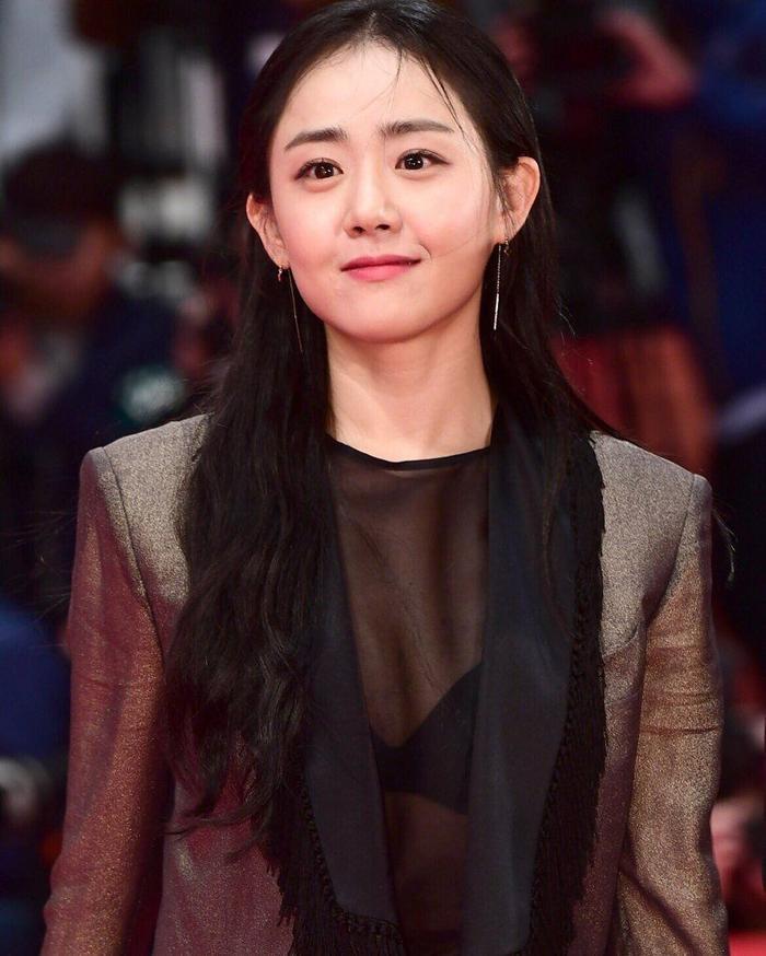 Sau hào quang nổi tiếng, sao Hàn 'sống chết' với bệnh tật: Từ Kim Woo Bin, Moon Geun Young đến Krystal! Ảnh 15