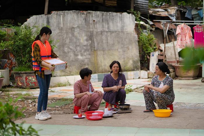 'Tắt tiếng' của Huỳnh Lập - Duy Khánh- Lê Nhân 'cà khịa' CĐM: Từ chuyện Đông Nhi đi đẻ đến cứu trợ mùa lũ Ảnh 12
