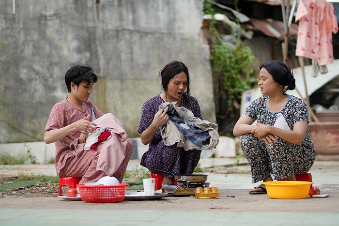'Tắt tiếng' của Huỳnh Lập - Duy Khánh- Lê Nhân 'cà khịa' CĐM: Từ chuyện Đông Nhi đi đẻ đến cứu trợ mùa lũ Ảnh 8
